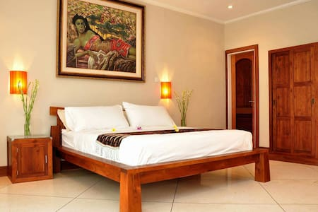 Master suite W/ pool & breakfast - Tampaksiring