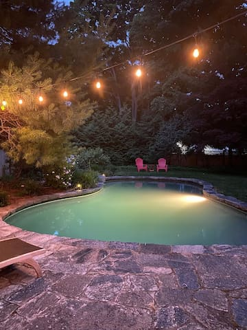Historic Home on Guilford Green with heated pool