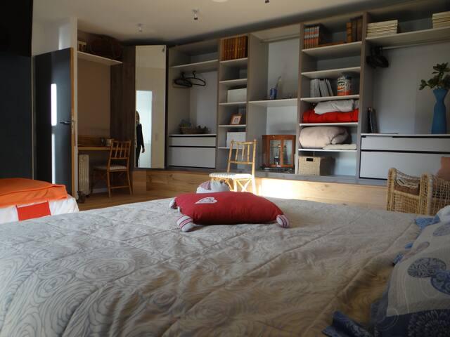 Chambre d'Hotes - calme assuré 2/3p - Château-Gontier - Bed & Breakfast