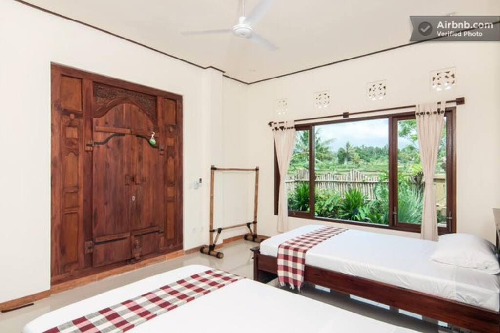 zweibettzimmer haus im reisfeld villen zur miete in ubud. Black Bedroom Furniture Sets. Home Design Ideas