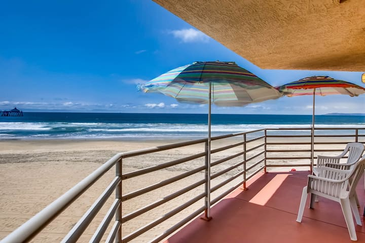 A Large, Bright, Sunny Oceanfront 3-Bedroom Condo