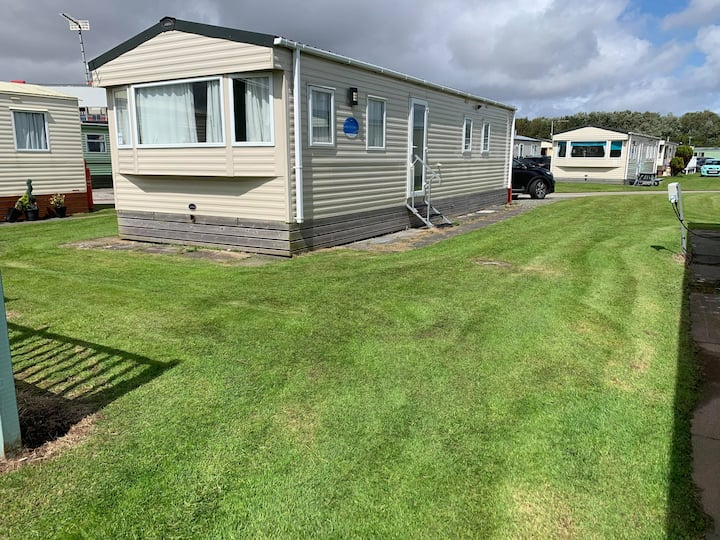 Seaside Caravan in Ocean Edge Holiday Park
