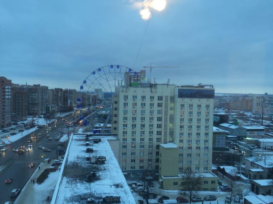 Вид из окна на улицу Менделеева