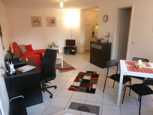 Nahe Ffm-Messe: 2-Zim-Apart.- WLAN - Hofheim - Appartement