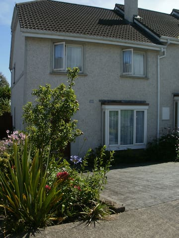 Three Bedroomed House sleeps 6 - Co Cork - House