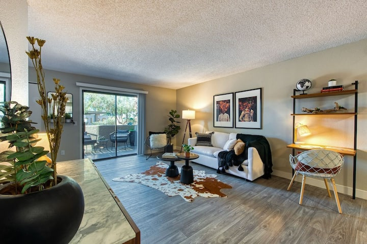 Live + Work + Stay + Easy | 2BR in Tucson