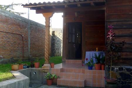 Small cabaña in Pátzcuaro, Mex. - Patzcuaro - Cabane