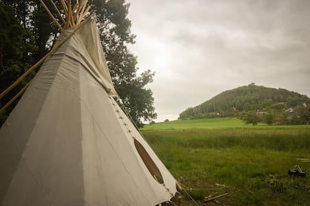 Ubytování v teepee na klidném místě