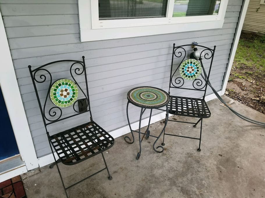 Front Yard Chairs