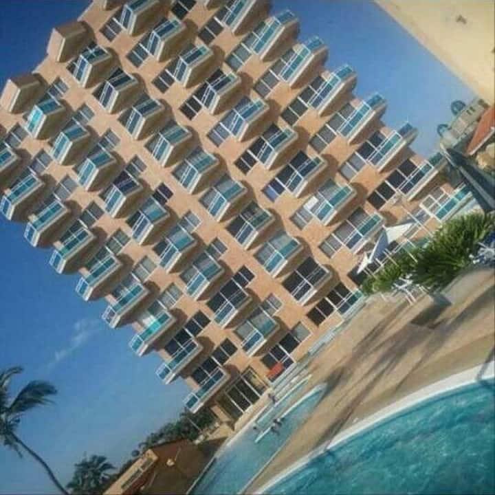 Apartamento Arianni Suites  7 pax frente al mar