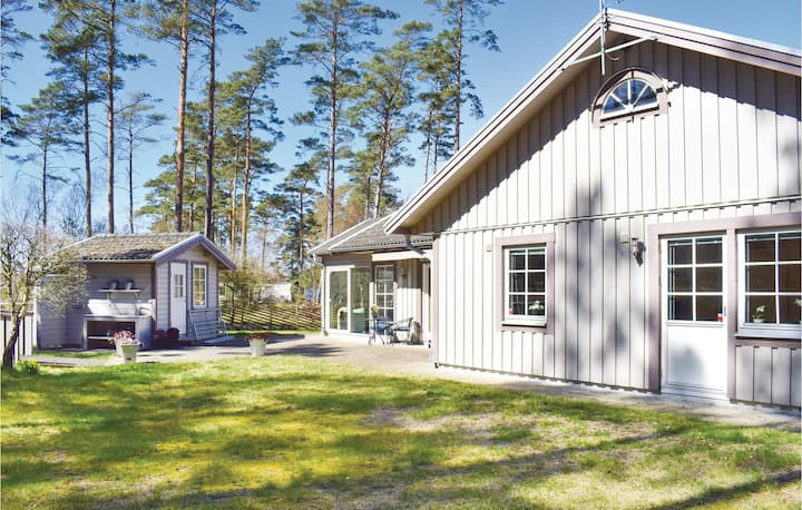 Nice home in Skummeslövstrand with WiFi and 3 Bedrooms