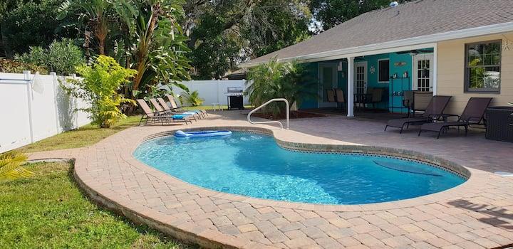 Spacious West Bradenton     3BR / 2Bathroom w saltwater pool home