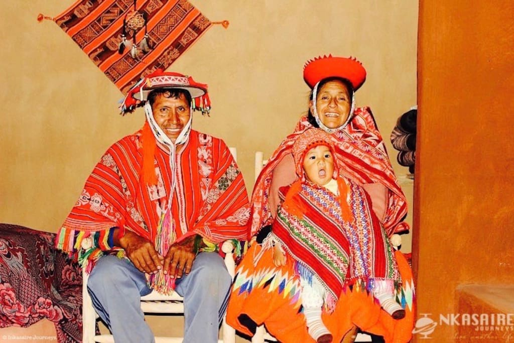 Members of Inkasaire Family with typical Inka clothes.
