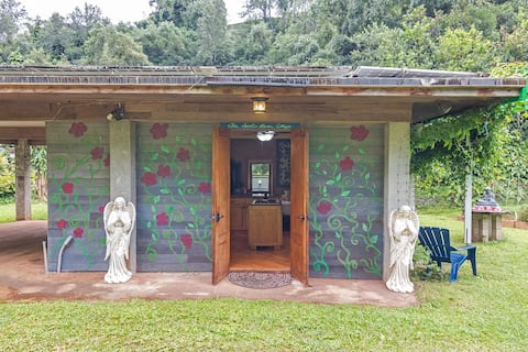 THE SECRET GARDEN A Cottage in Valhalla Paradise