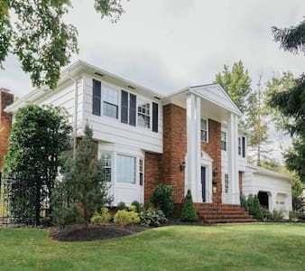 Quiet, private bedroom near Morristown Airport
