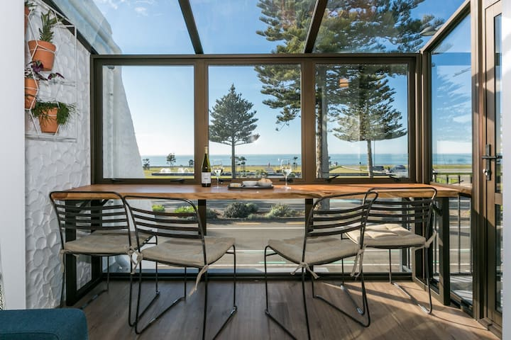 Marine Parade Stylish Apartment - 453 ByTheSea