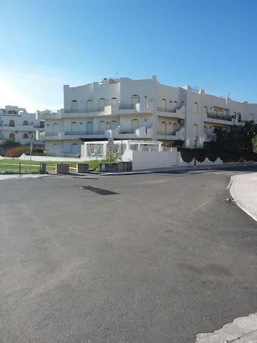 Appartamento sul mare con garage centralissimo