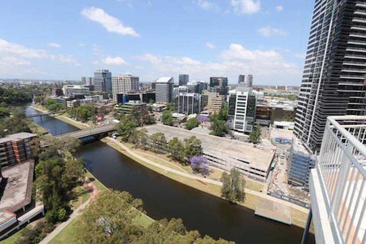 PENTHOUSE - Parramatta - Apartament