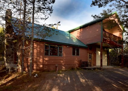 Large 5 Bed W/loft, 4 Bath Near Yellowstone Park! - Island Park