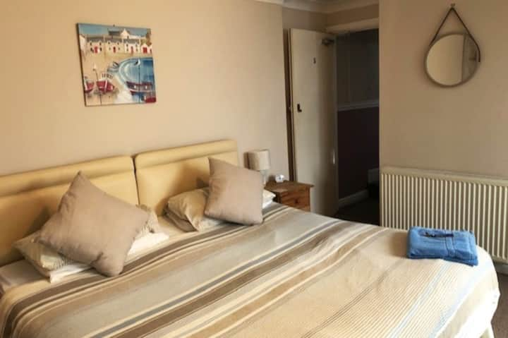 Rear family room in Bed and Breakfast, Looe