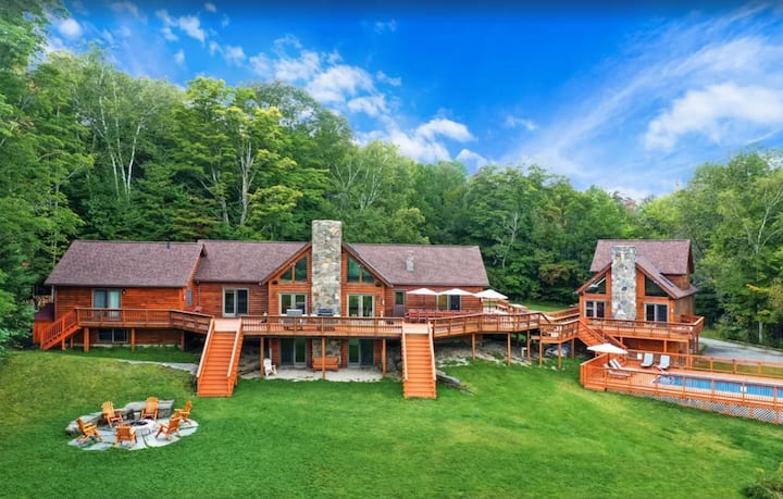 Amazing Log Estate, 2 houses, 11bd, and much more!