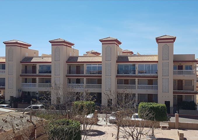 Penthouse condo w/ terrace & sundeck & ocean view