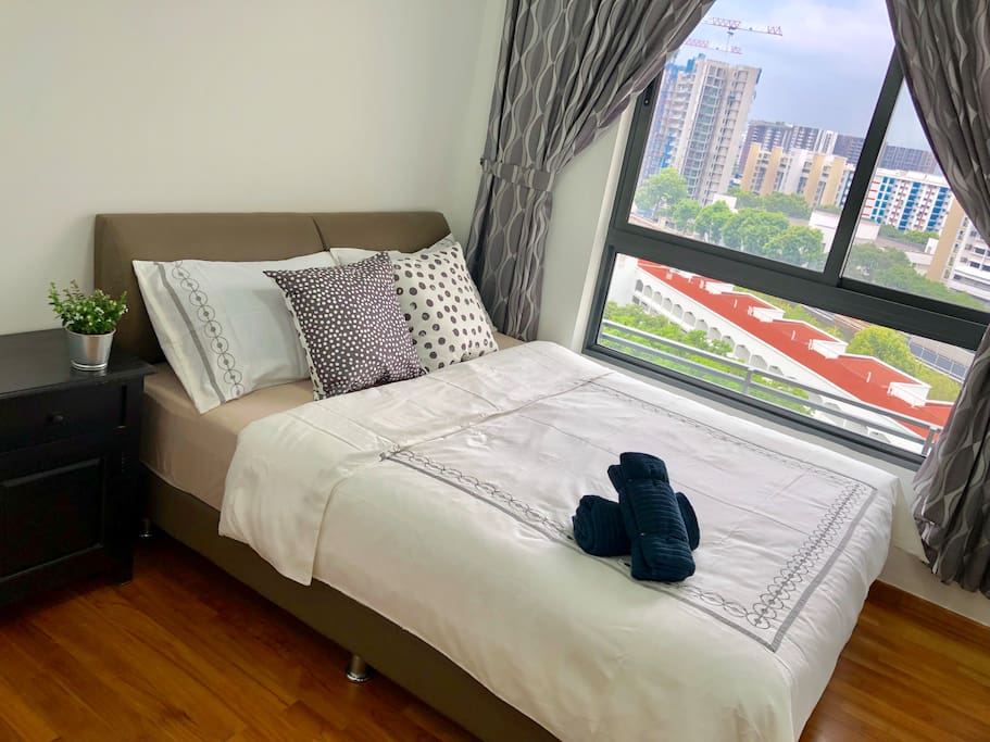 Queen bed with Bed side table
