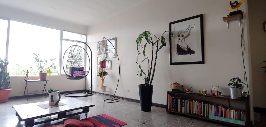Habitación privada en encantador apartamento