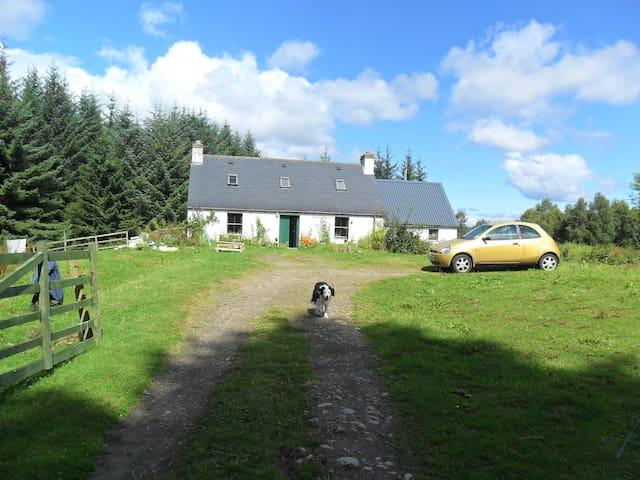 Peaceful traditional  Highland cottage - Conon Bridge - Casa