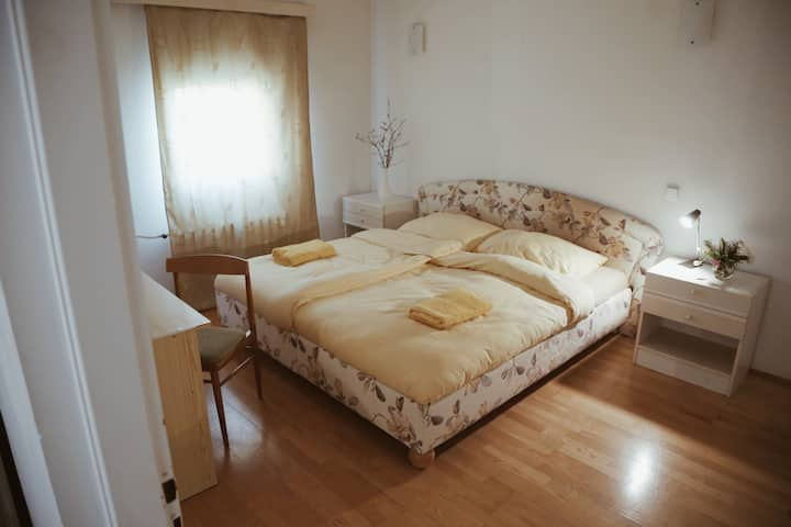 Spacious and cozy bedroom in Floral Guesthouse