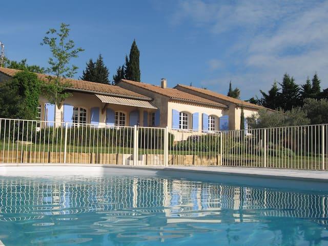Villa provençale, campagne, calme - Sérignan-du-Comtat - Huis