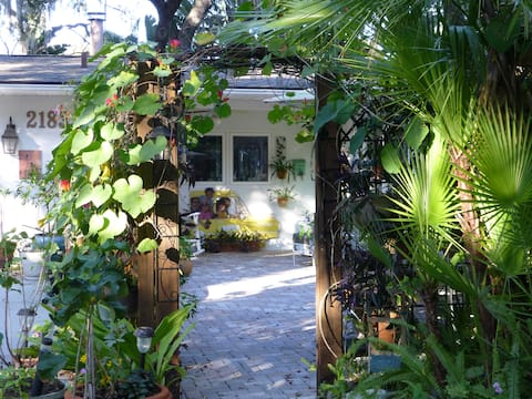 2 brm/2 ba private wing in lovely home; LOCATION!!