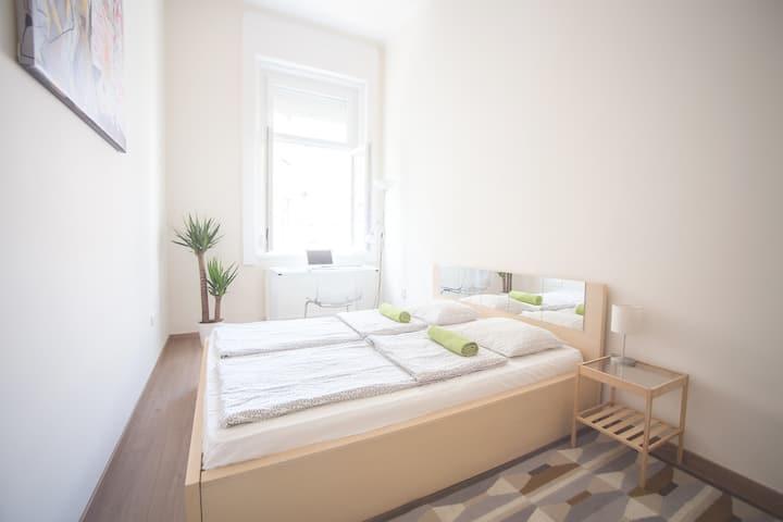 Bright & Easy Apartment