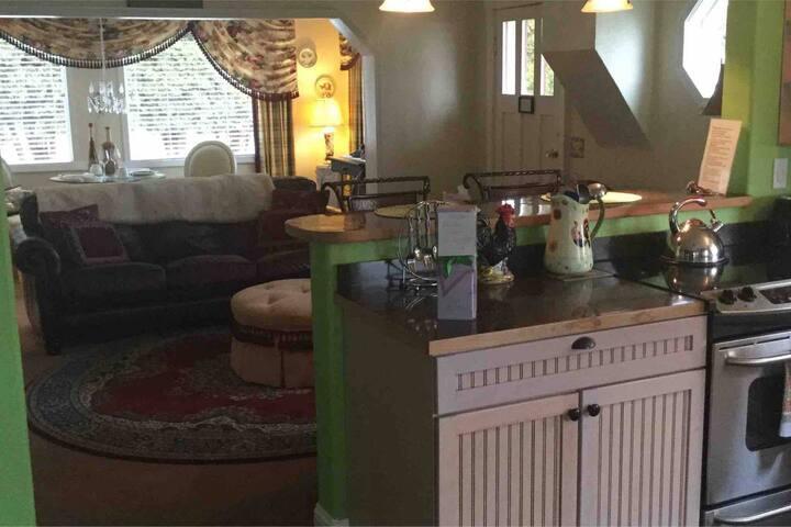 Irish House for 2 - Cozy Rose Inn