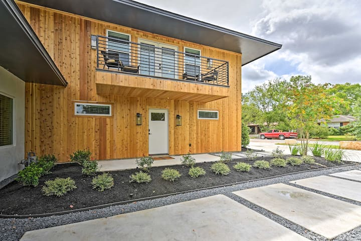 Plan an unforgettable College Station getaway at this vacation rental apartment!