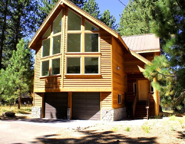New Custom Tahoe Home, in the Middle of Town!!