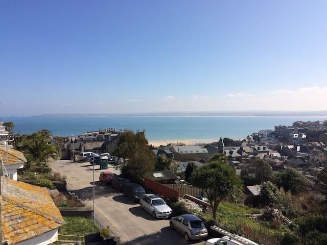 Spacious maisonette, stunning view,3 mins to beach - Saint Ives - Apartamento