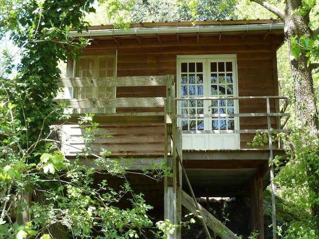 Gîte insolite  Bata Tere en Ardèche
