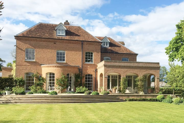 Manor Farmhouse -Luxury Country House