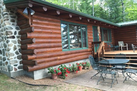 Peaceful & quaint cabin with Autumn colorama - Rhinelander - Cabane