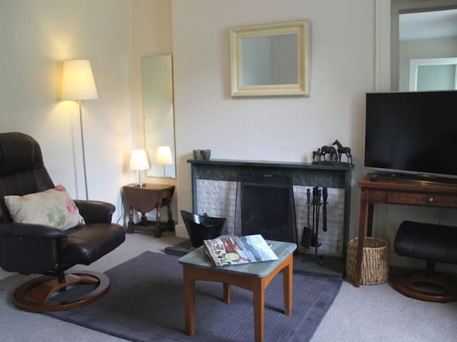 BECK STEPS 2, character holiday cottage in Grasmere, Ref 972548