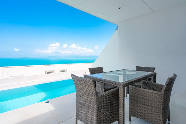 Executive Suite Sea View 1 BDR with lap pool