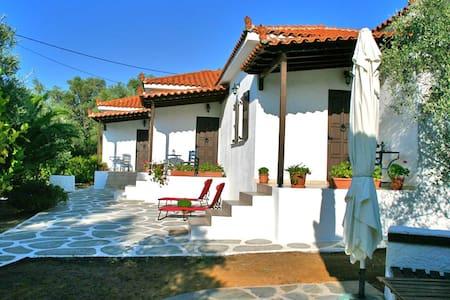 Trikeri villas Melite villa for 4 - Agia Sofia, Trikeri island - Hus