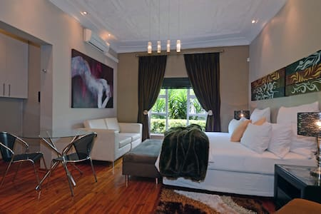 Saffron Guest House - Johannesburg - Bed & Breakfast