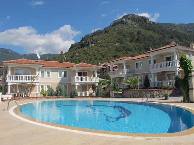 Great Holiday Apartment with Pool - Ölüdeniz - Flat
