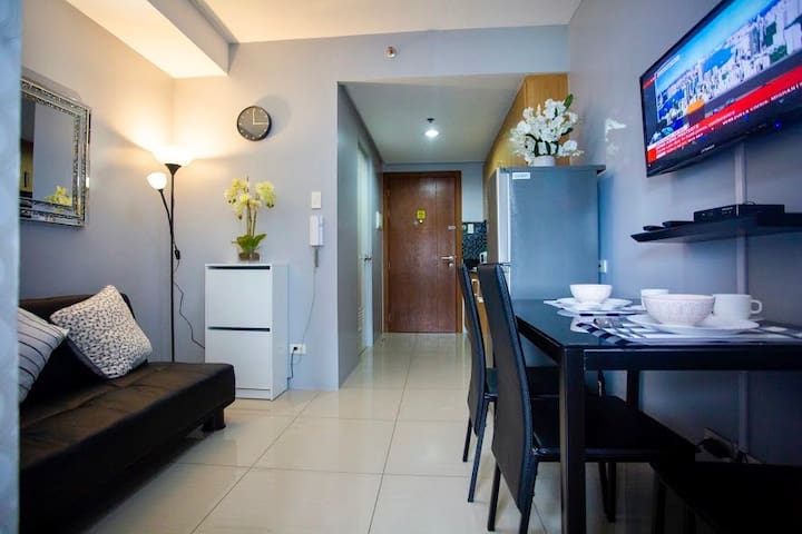 Suite 1020 | Shell Residences | Free 30Mbps Wifi