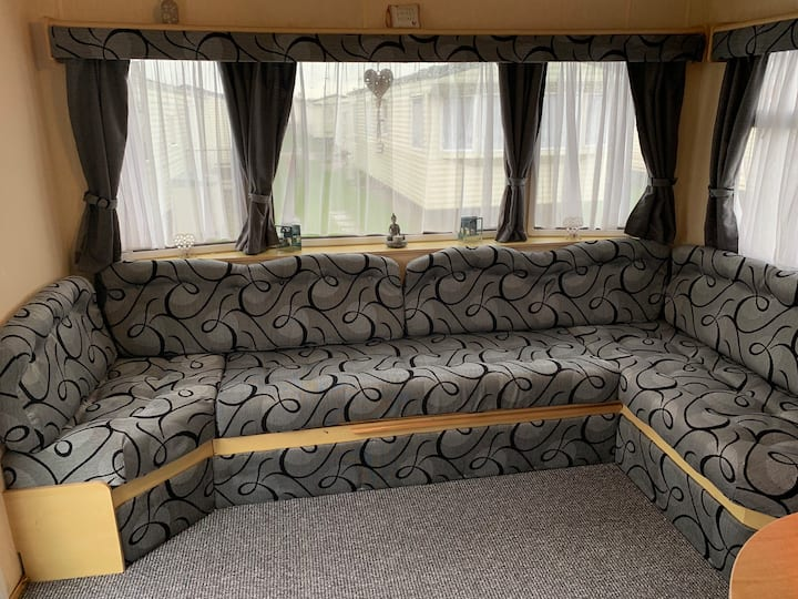 3 Bedroom Caravan on Winkups Towyn in North Wales