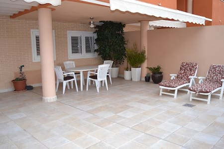 New Apartment with Large Terrace  - Canet d'en Berenguer - Huoneisto