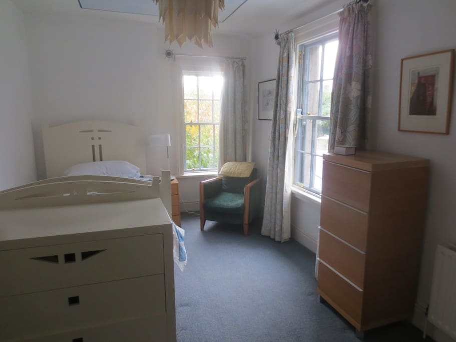 Bright lovely room with a really comfortable bed