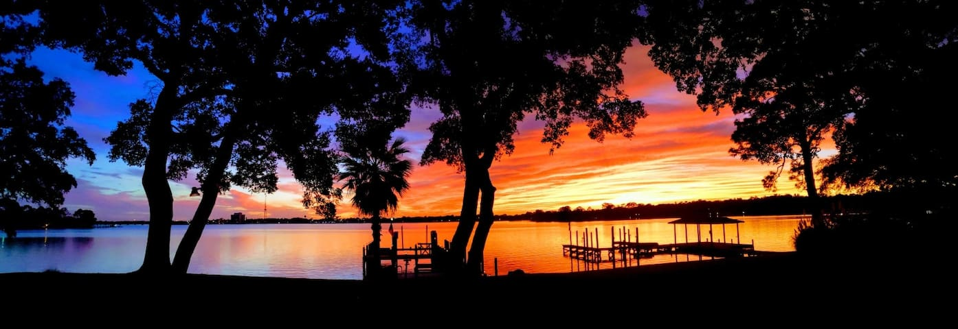 Sylvia's Suite Dreams-Paddleboard and Kayak free.